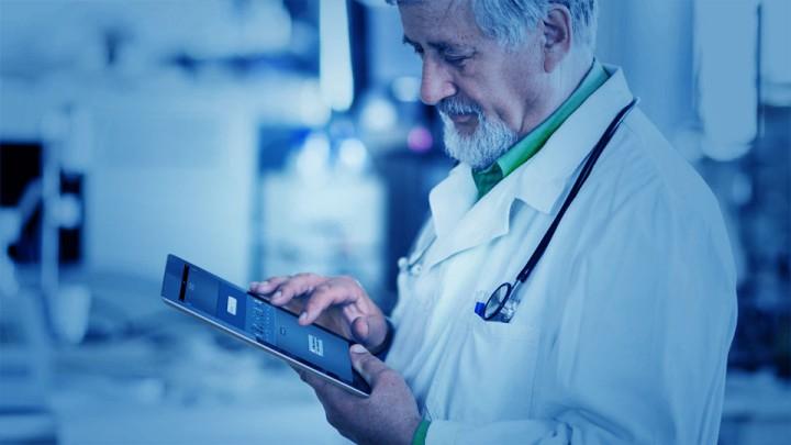 El consultorio demanda más de la paciencia médica que de la del paciente.