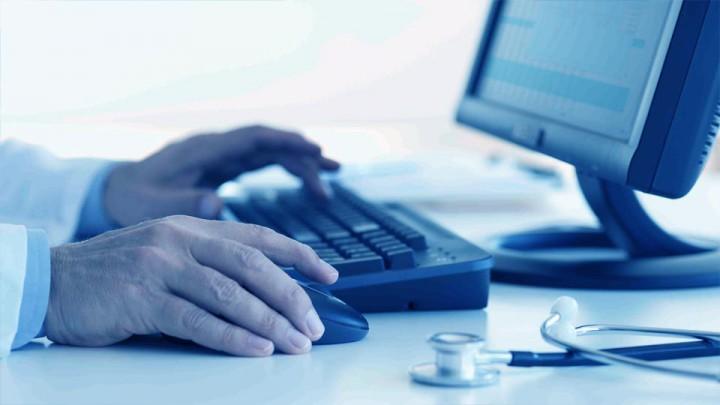 La evaluación más detallada de la persona sucede en el consultorio y a solas.
