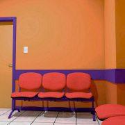 Vista a espera de Pediatría desde el interior.